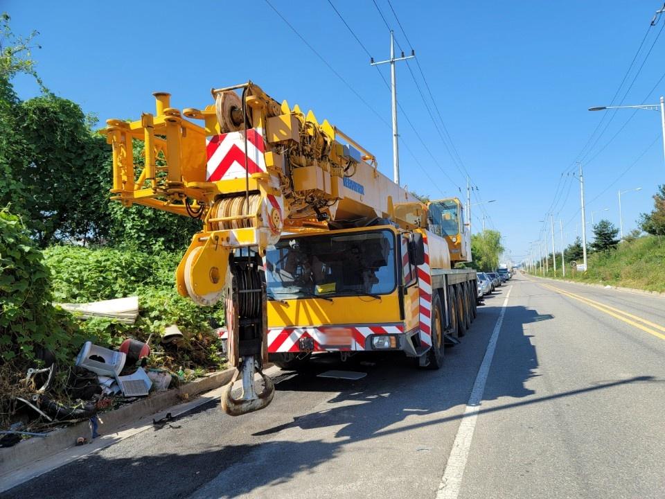 Used crane 160 tons LIEBHERR LTM1160, 1995 – $258,000