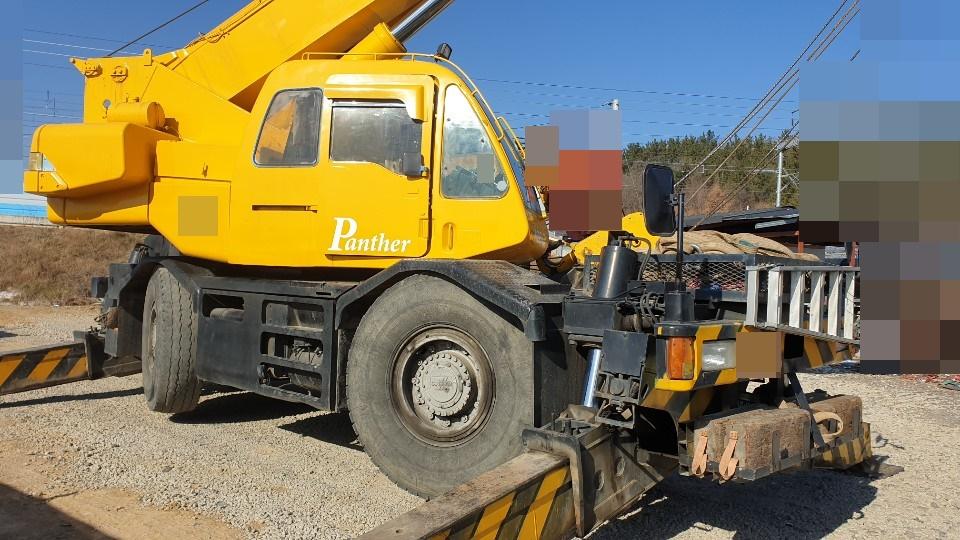 Used crane 25 tons KOBELCO RK250-3 1992